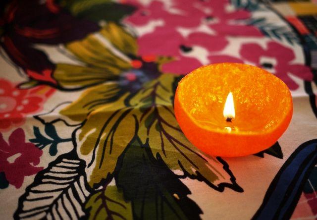 свеча из мандарина своими руками