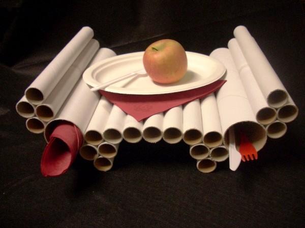 столик в постель своими руками из картонных рулонов