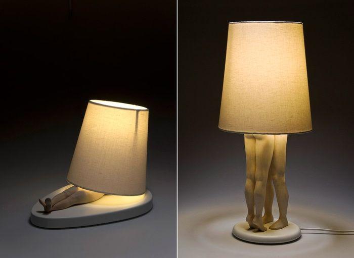 светильники в виде обнимающихся людей