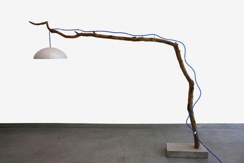 напольные светильники из веток дерева