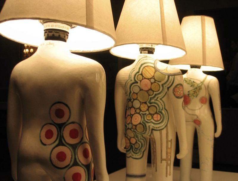 светильники в виде человека с боди-артом