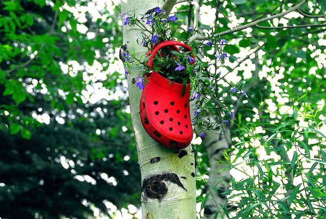 горшки для растений из предметов - кроксы