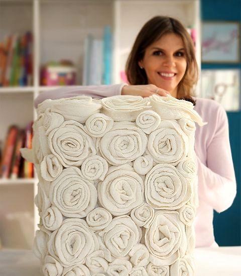 декор пуфика цветами из фетра