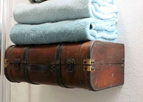 настенная полка из чемодана