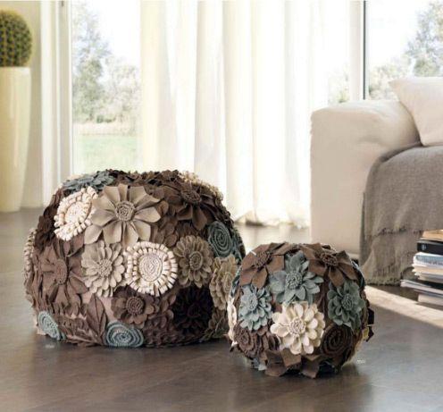 украшение пуфика цветами из ткани