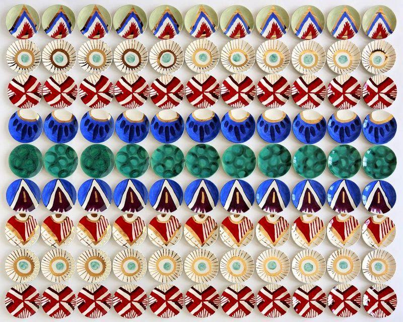 тарелки на стену инсталляция