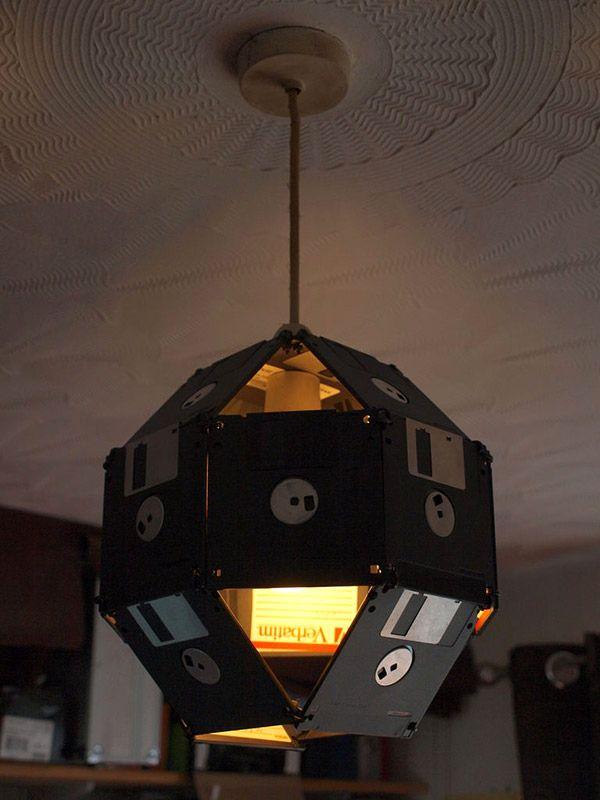 светильник - поделки из дискет