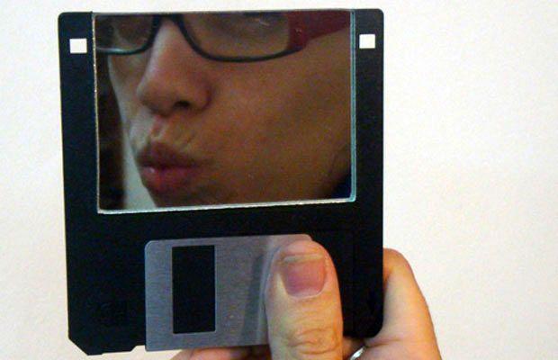 зеркало - поделки из дискет