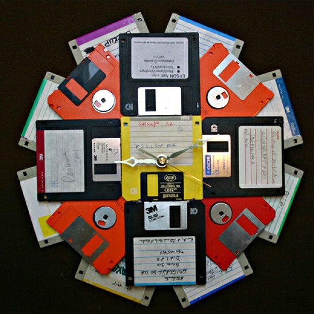 часы - поделки из дискет
