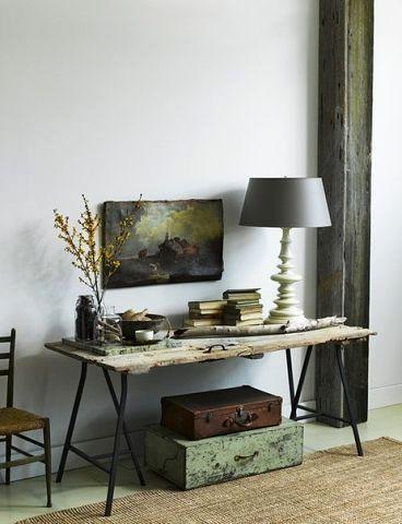 винтажны стол из старой двери