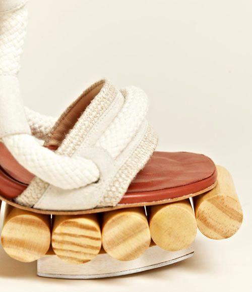 деревянные босоножки от Pedro Lourenco