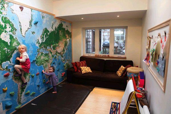 географическая карта в интерьере детской