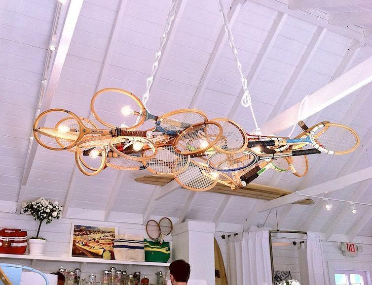 светильник из старых ракеток