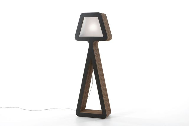 картонный светильник