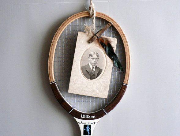 рама для фотографий из старой теннисной ракетки