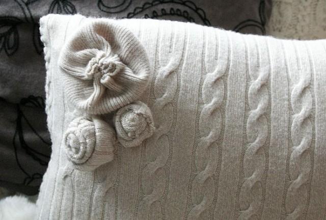 наволочка своими руками из старого свитера для диванной подушки