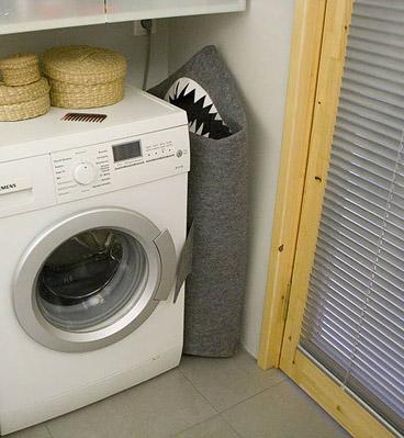 корзина для белья в ванную в виде акулы