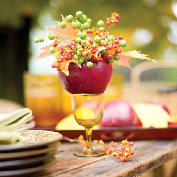 праздничный стол - декор из яблок