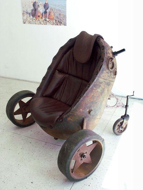 кресло из морской мины