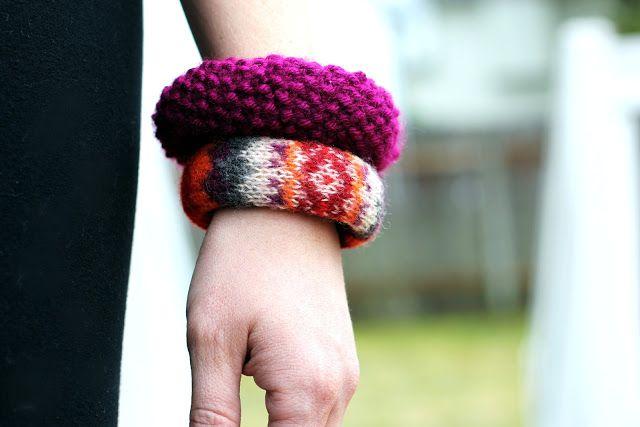 вязаные браслеты из свитера