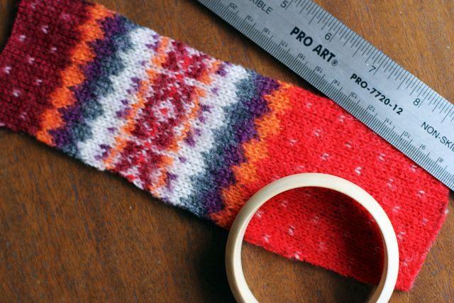 мастер-класс как сделать вязаные браслеты из свитера