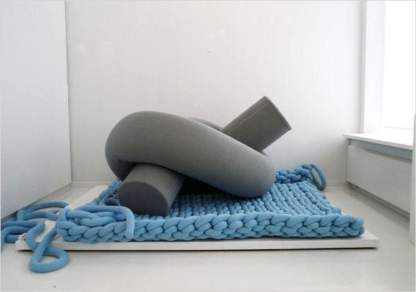 гигантское вязание - ковер и пуф