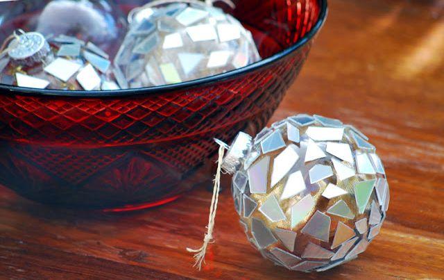 Декор елочных шаров своими руками мозаикой из компакт-дисков