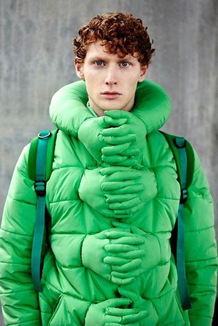обнимающая куртка Hug Me