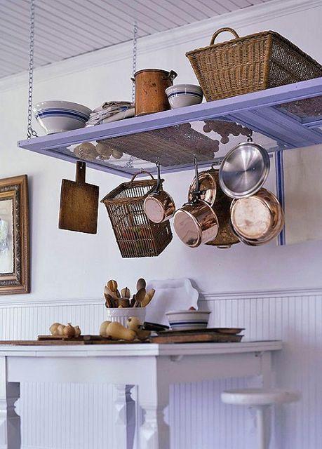что сделать из старых дверей - полки на кухне