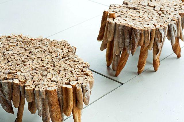 оригинальный стол из черствого хлеба baguette table