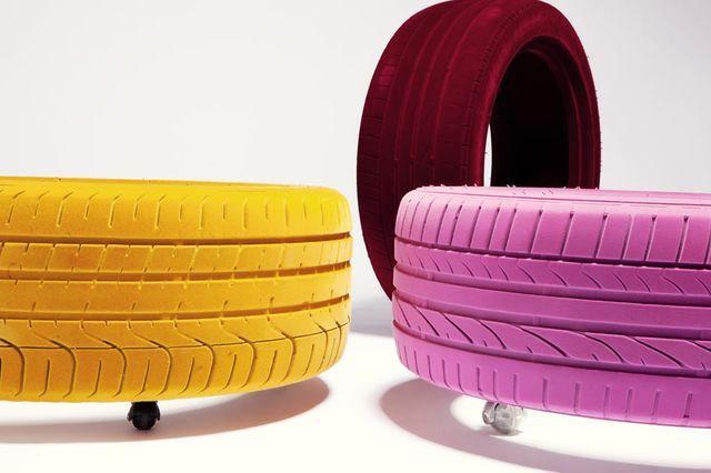 яркая мебель из шин