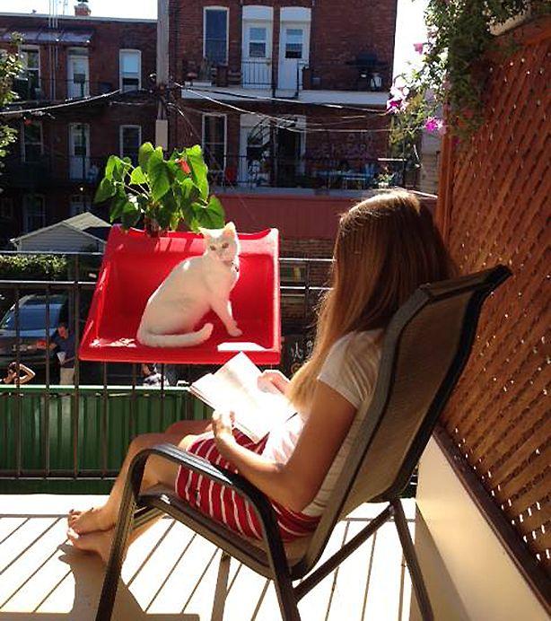 съемный столик на перила балкона balkonzept