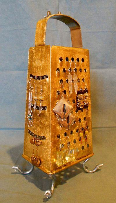 золотая подставка для сережек из терки своими руками