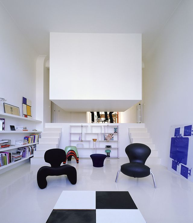 подвесная спальня под потолком, вид из гостиной