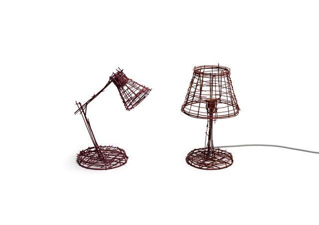лампа из проволоки из серии Drawing series