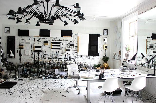 черно-белый дизайн интерьера студии Tenka Gammelgaard