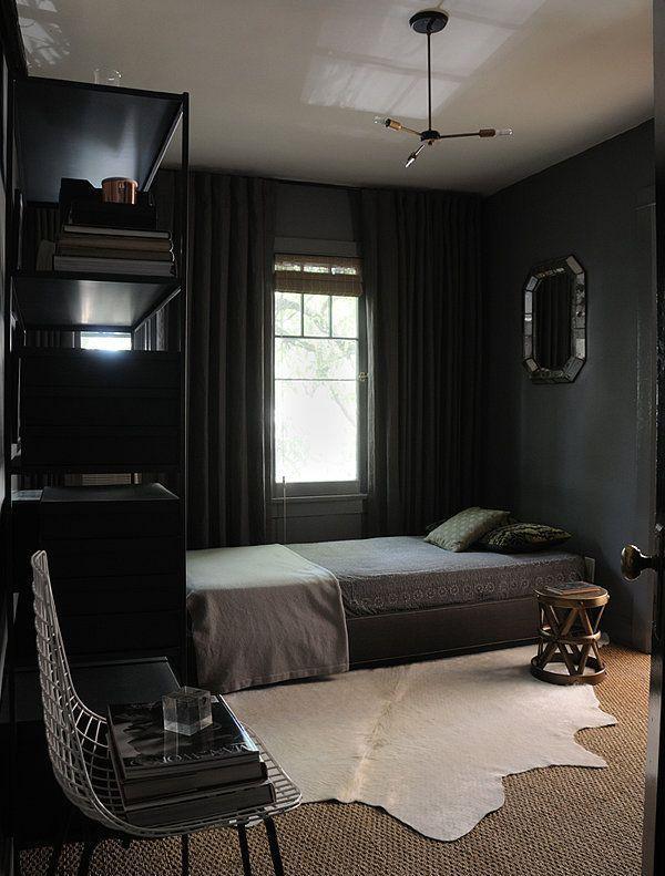 интерьер спальни в черном цвете