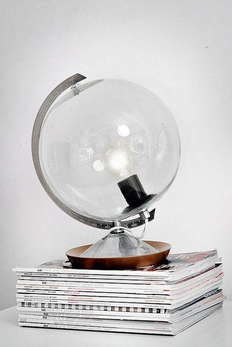оригинальный стеклянный светильник как глобус