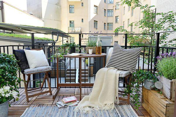 как украсить открытый балкон в скандинавском стиле