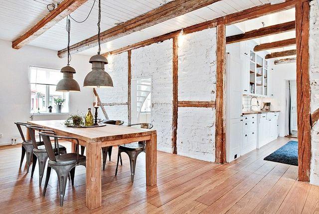 гостиная в скандинавском стиле с деревяными балками