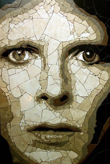 мозаика из битой плитки - портрет Дэвида Боуи