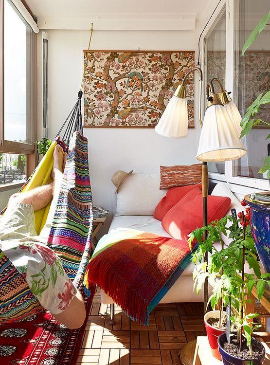 яркие идеи декора балкона в стиле boho chic