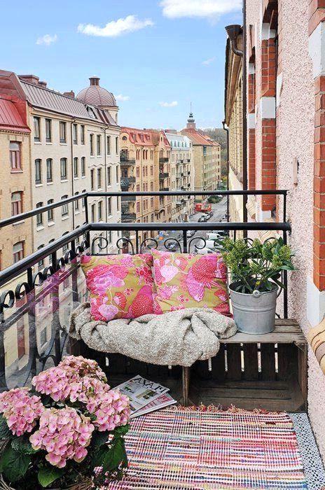 декор открытого балкона в стиле бохо шик