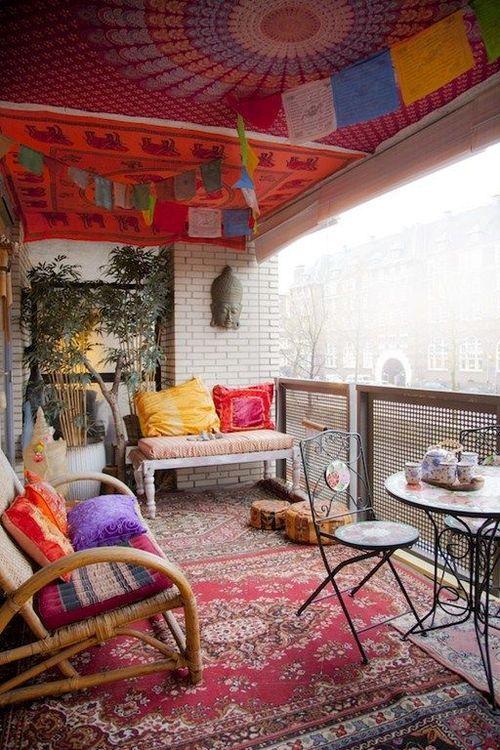 декор открытого балкона в стиле boho chic