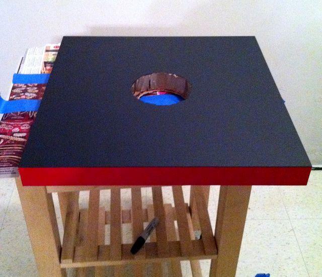 стол покрыт грифельной краской