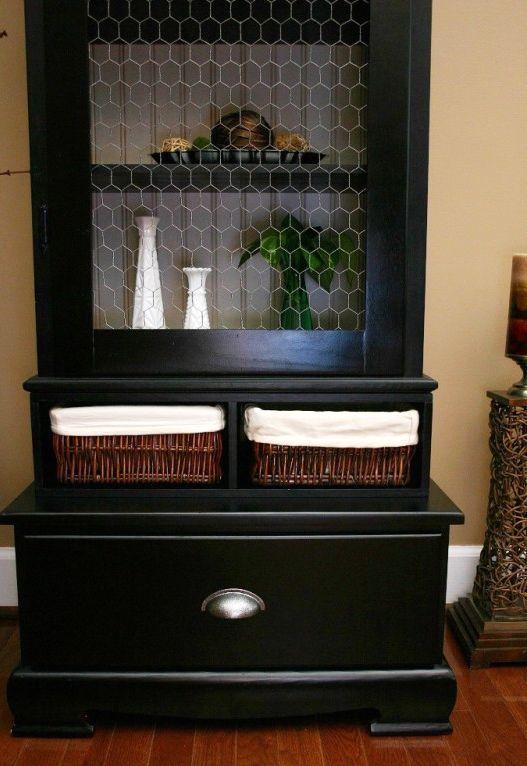 шкаф с сетчатыми створками