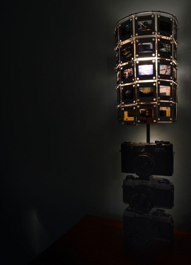 DIY настольная лампа из фотокамер и слайдов
