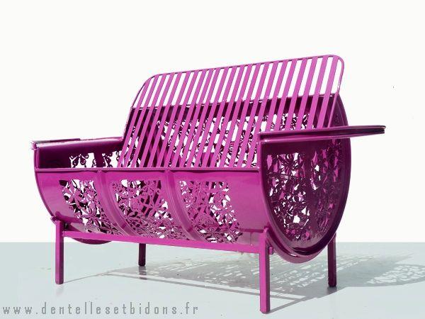 садовый диван из жестяной бочки