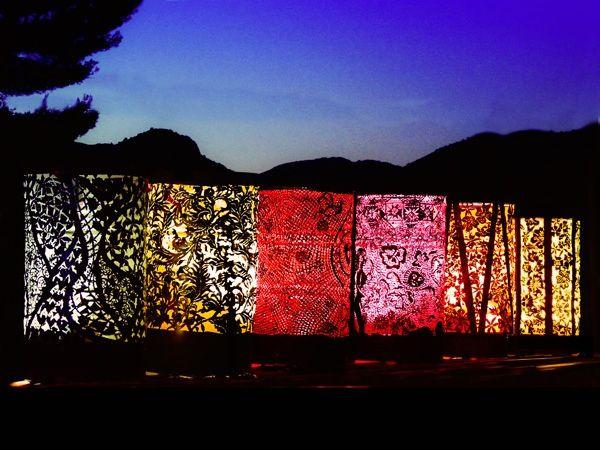 садовые фонарики из жестяных бочек