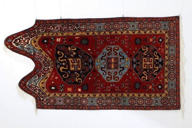 нетрадиционные азербайджанские ковры от Faig Ahmed
